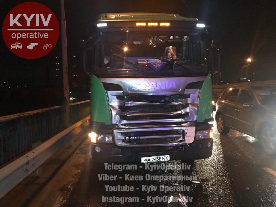 Смертельное ДТП на Южном мосту: авто отбросило на 30 метров (ФОТО), фото-2