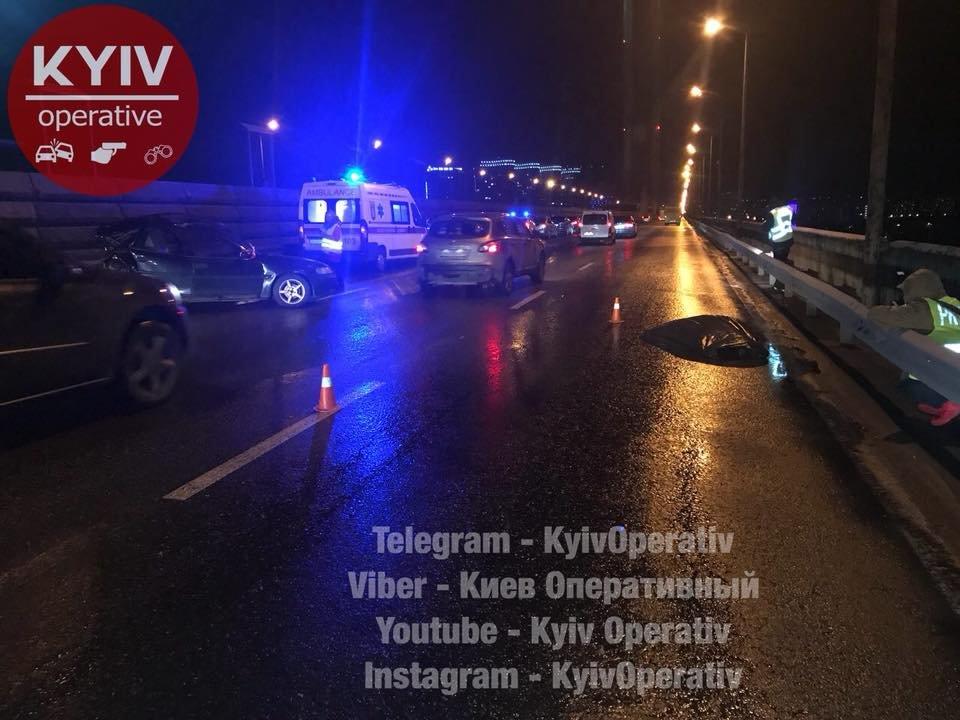 Смертельное ДТП на Южном мосту: авто отбросило на 30 метров (ФОТО), фото-4