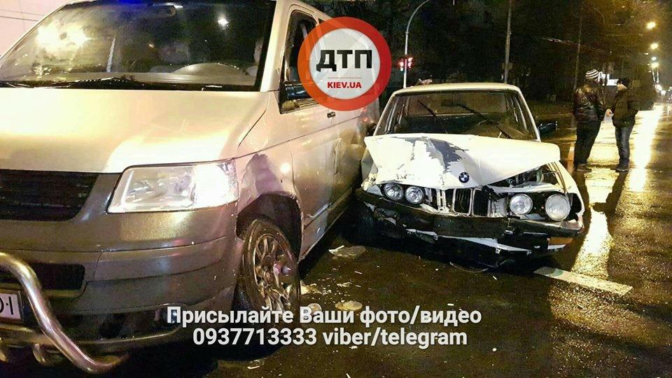В Киеве на перекрестке столкнулись авто (ФОТО), фото-3