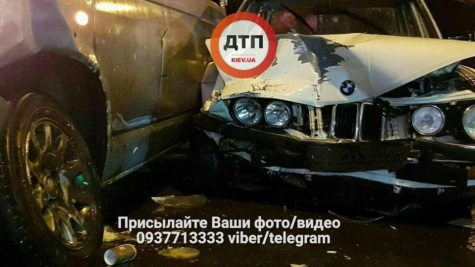 В Киеве на перекрестке столкнулись авто (ФОТО), фото-2