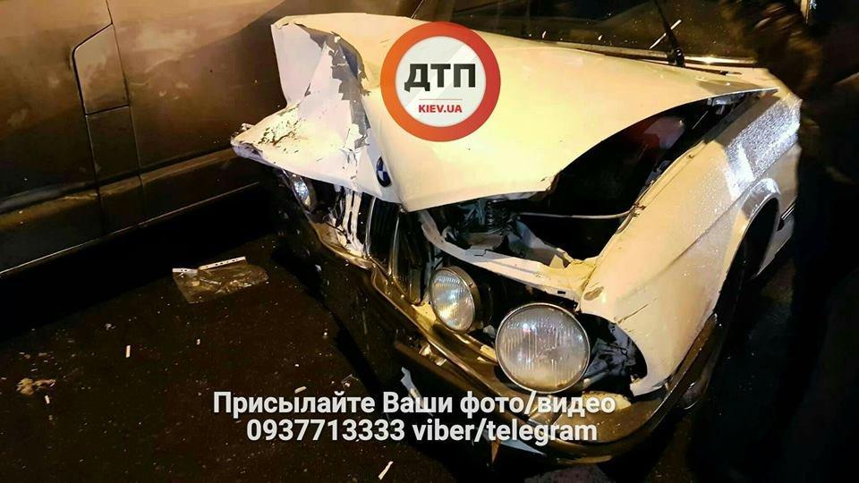 В Киеве на перекрестке столкнулись авто (ФОТО), фото-4