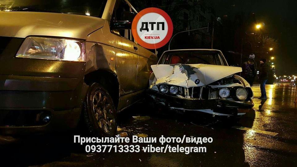 В Киеве на перекрестке столкнулись авто (ФОТО), фото-5