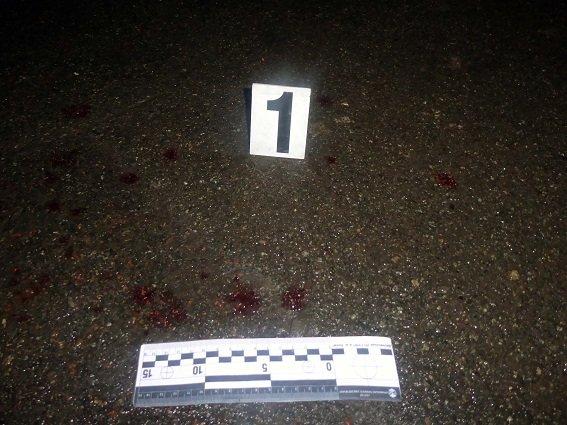 Ножом в шею: в Киеве парень пытался зарезать своего должника (ФОТО), фото-3