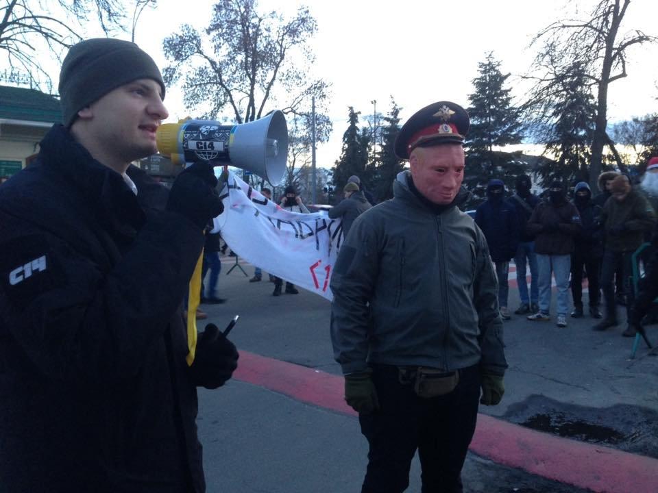 Националисты заблокировали въезд в Киево-Печерскую Лавру (ФОТО), фото-6