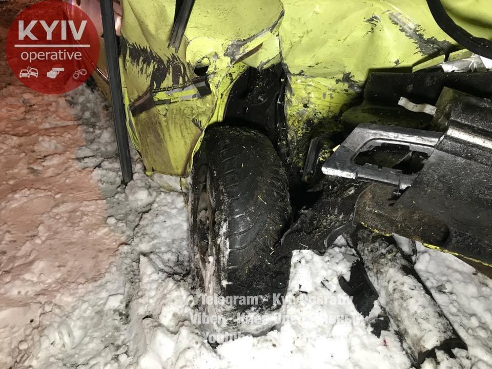 В Киеве Audi догнал Daewoo: водитель в тяжелом состоянии (ФОТО), фото-2