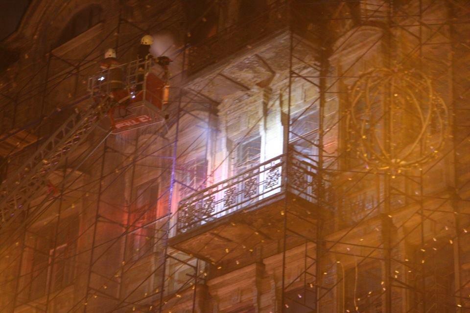 Наследие в огне: в Киеве горят исторические здания, фото-11
