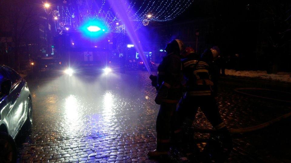 Наследие в огне: в Киеве горят исторические здания, фото-12
