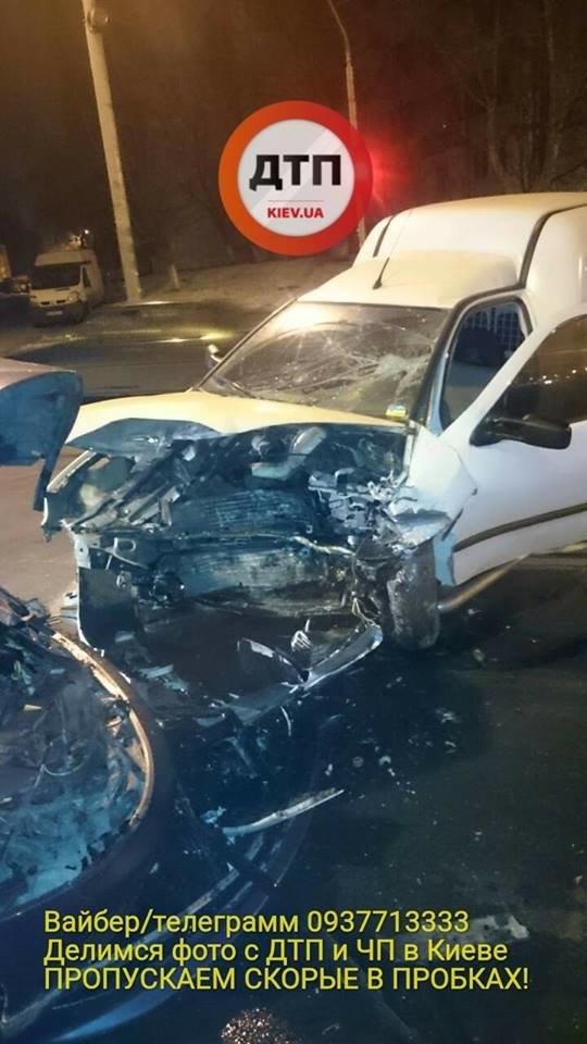 В Киеве в ДТП пострадало 3 человека (ФОТО), фото-3