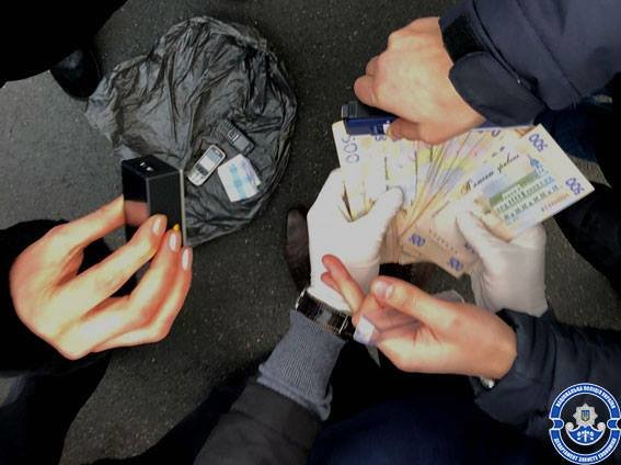 """Киевские чиновники """"погорели"""" на крупной взятке (ФОТО), фото-3"""