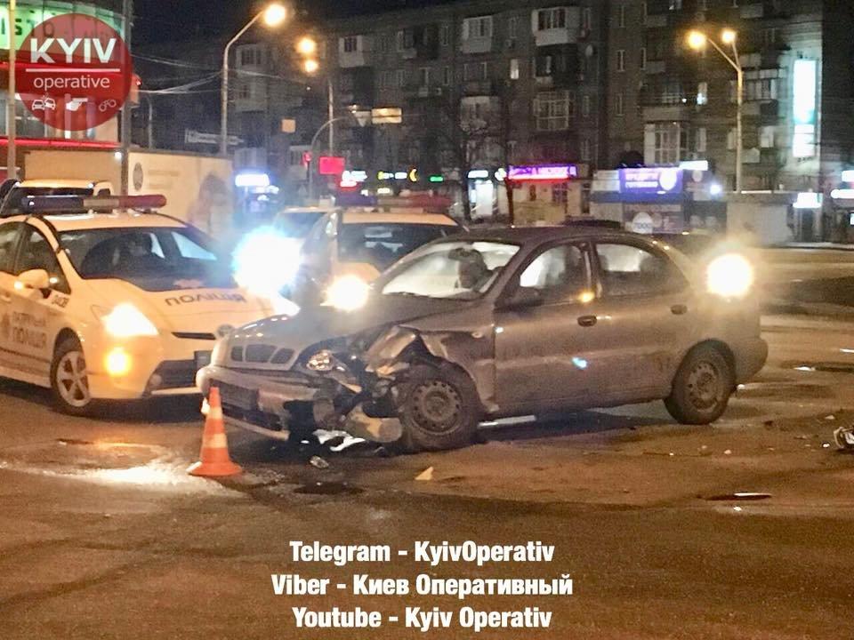 На Дарницкой площади произошло ДТП (ФОТО), фото-2