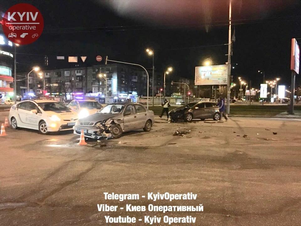 На Дарницкой площади произошло ДТП (ФОТО), фото-3