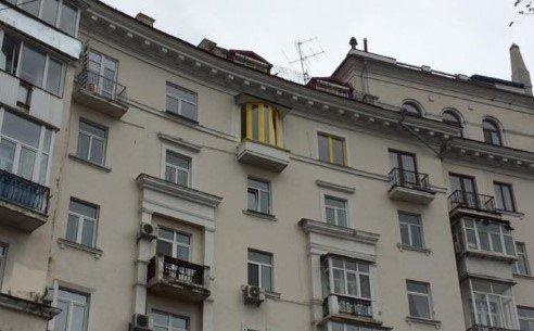 """""""Я це люблю"""": киевлянин раскрасил балкон в цвета известного бренда, фото-1"""