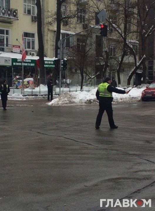 В Киеве президентский кортеж сбил пенсионера, фото-3