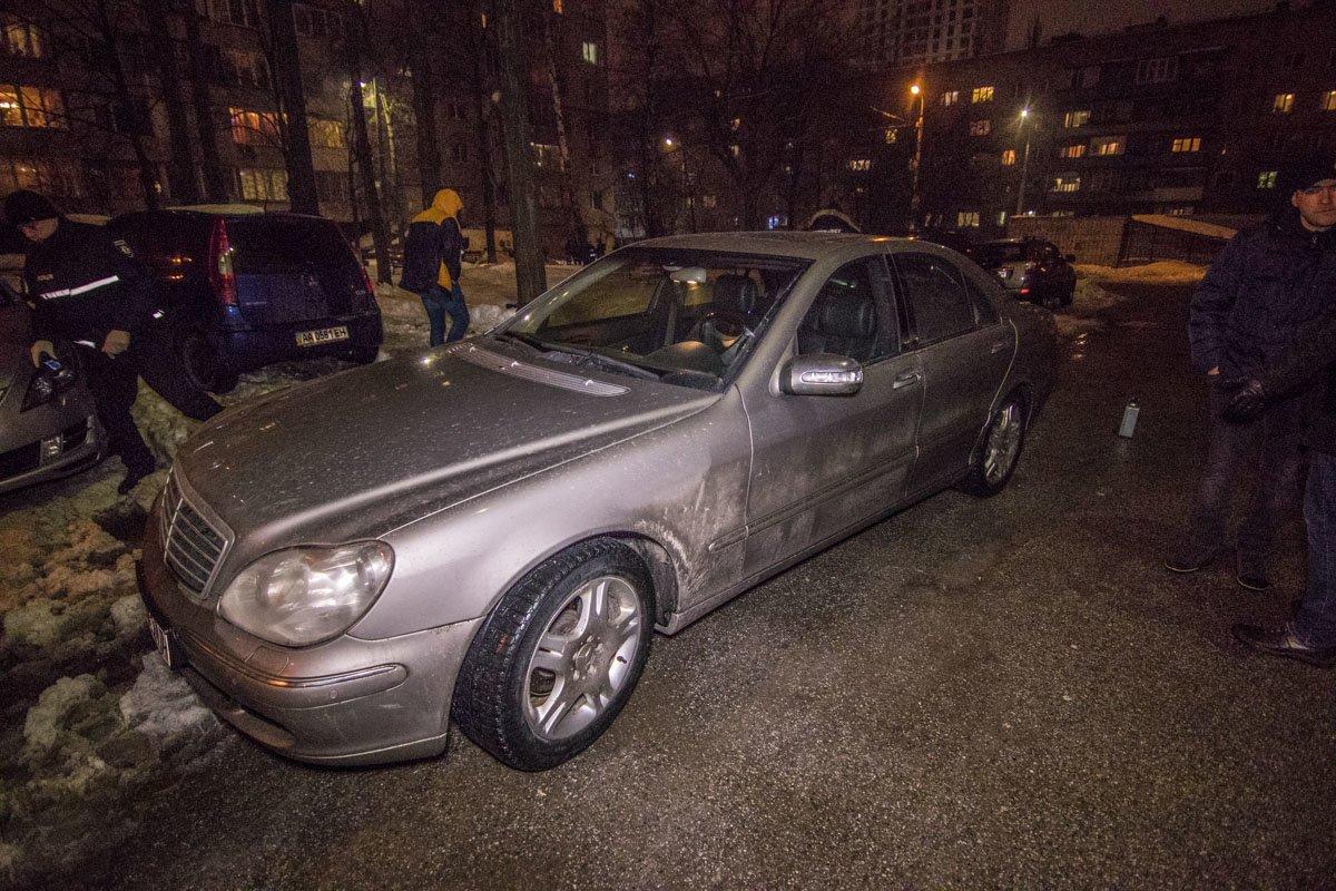 В Киеве на улице зарезали мужчину (ФОТО), фото-2
