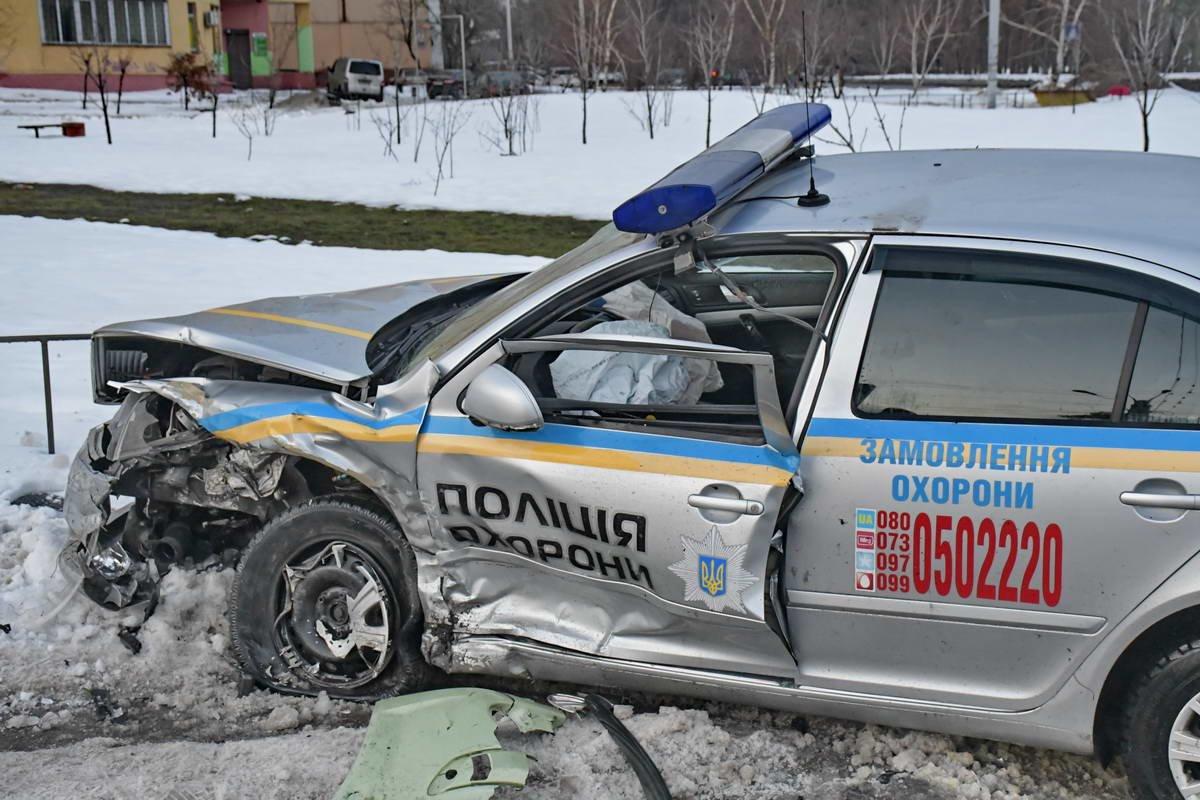 В Киеве после ДТП сотрудники полиции охраны попали в реанимацию (ФОТО), фото-3