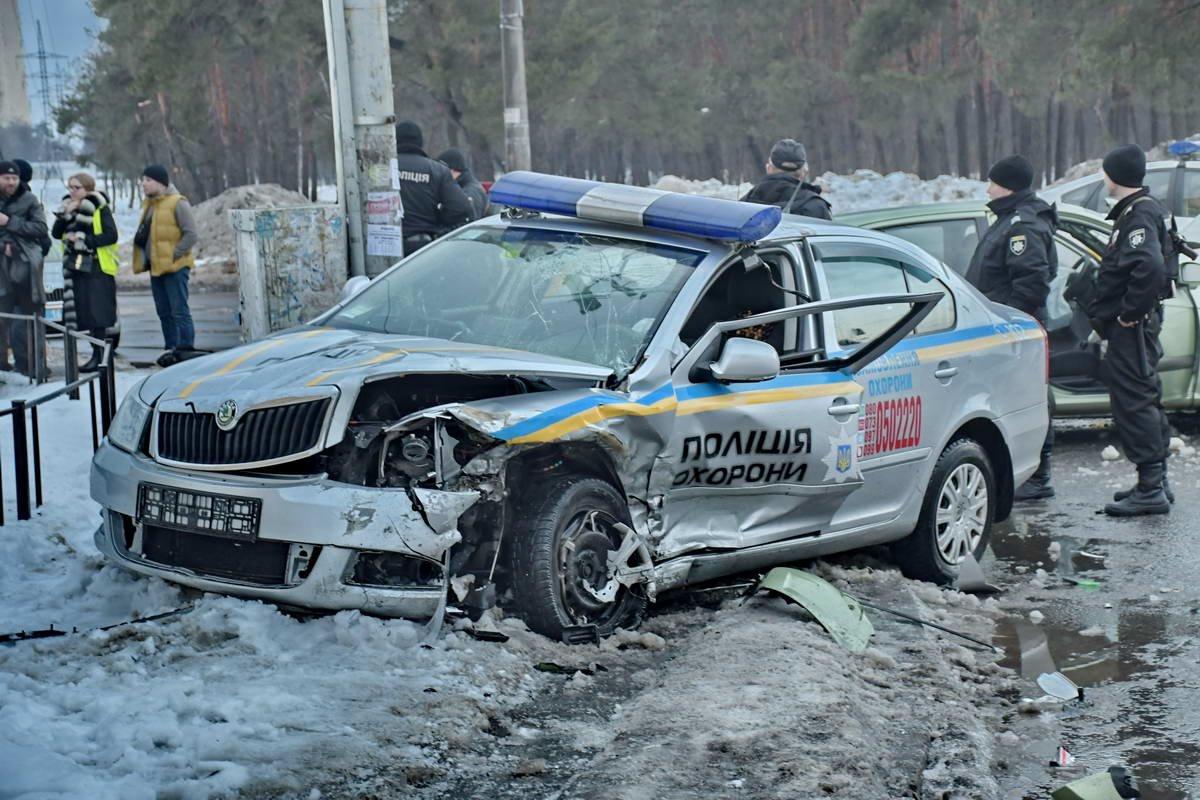 В Киеве после ДТП сотрудники полиции охраны попали в реанимацию (ФОТО), фото-7