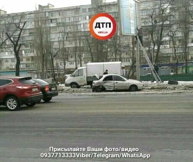 В Киеве столкнулись три легковушки и бетоновоз (ФОТО), фото-1