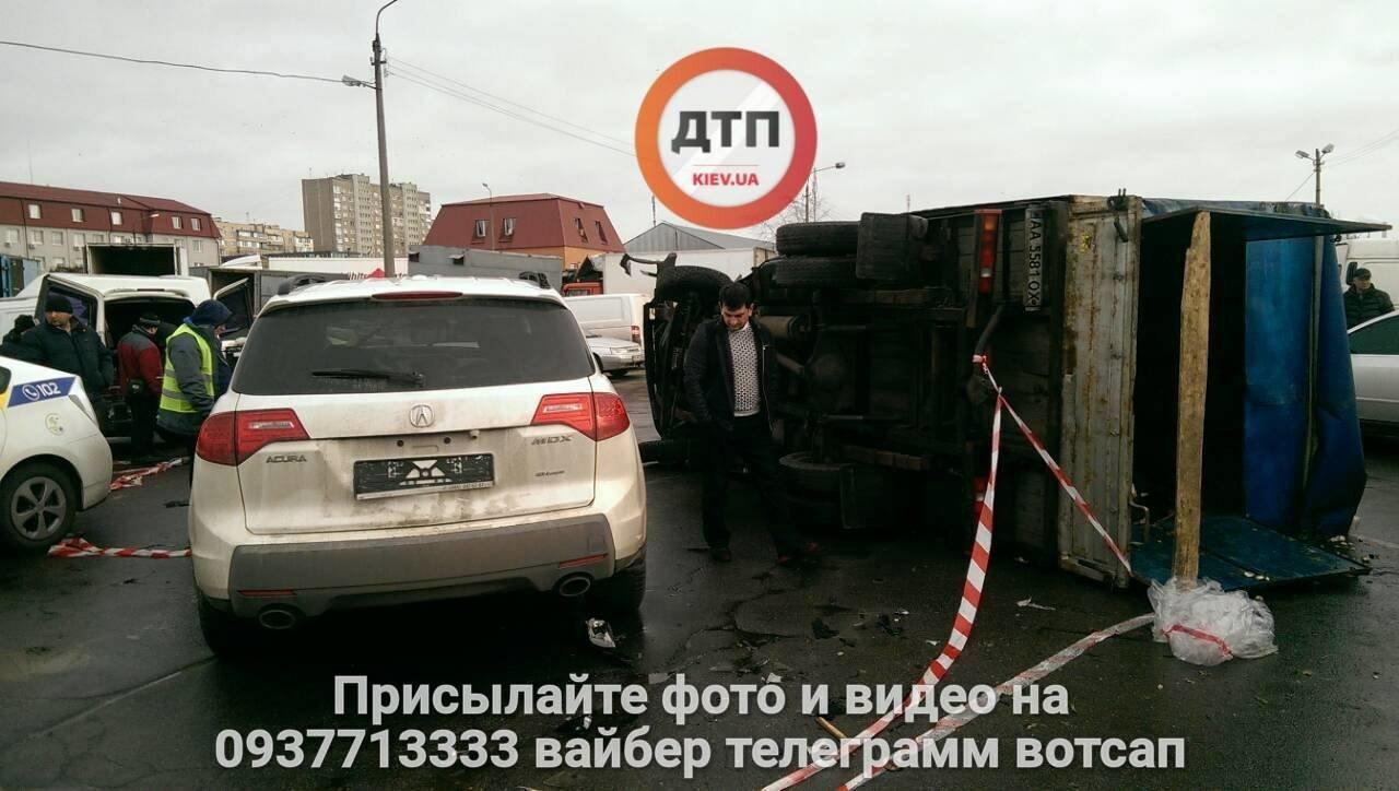 """На Троещине перевернулась """"ГАЗель"""" (ФОТО), фото-4"""