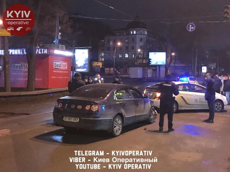 На Подоле водитель авто с дипномерами РФ устроил ДТП (ФОТО), фото-1