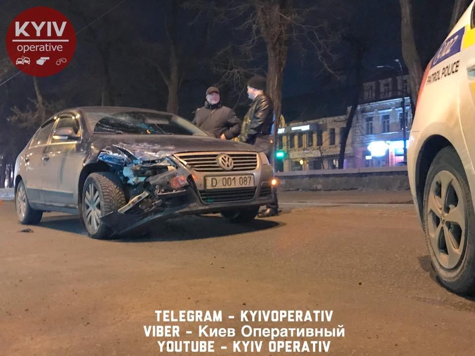 На Подоле водитель авто с дипномерами РФ устроил ДТП (ФОТО), фото-2