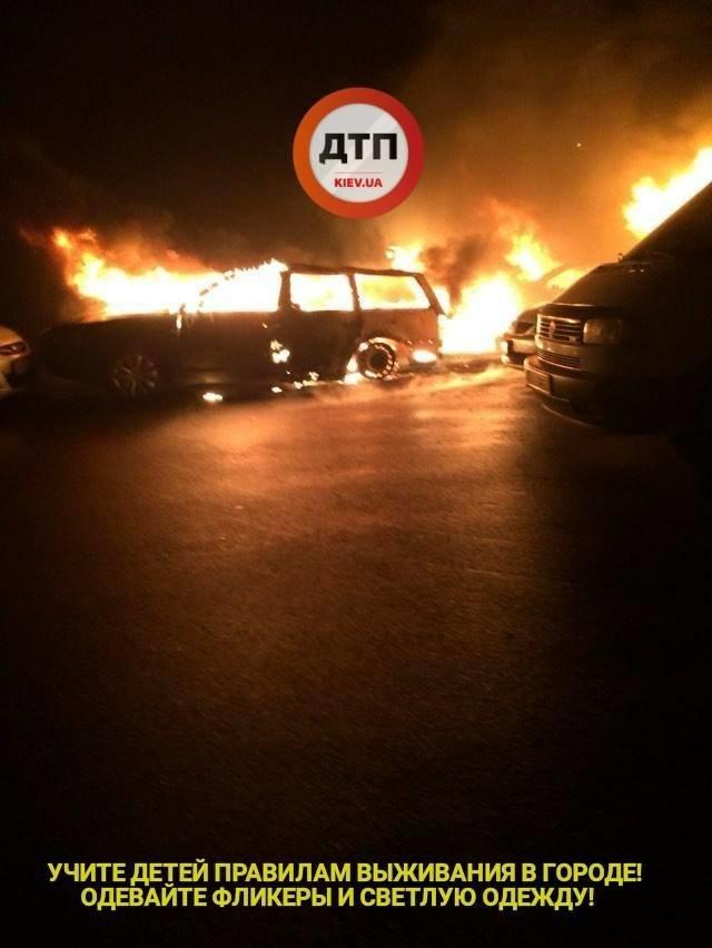 Под Киевом сгорело 5 автомобилей, фото-2