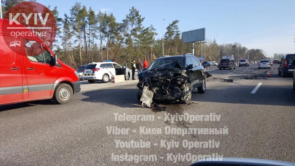 Под Киевом произошло тройное ДТП (ФОТО) , фото-1