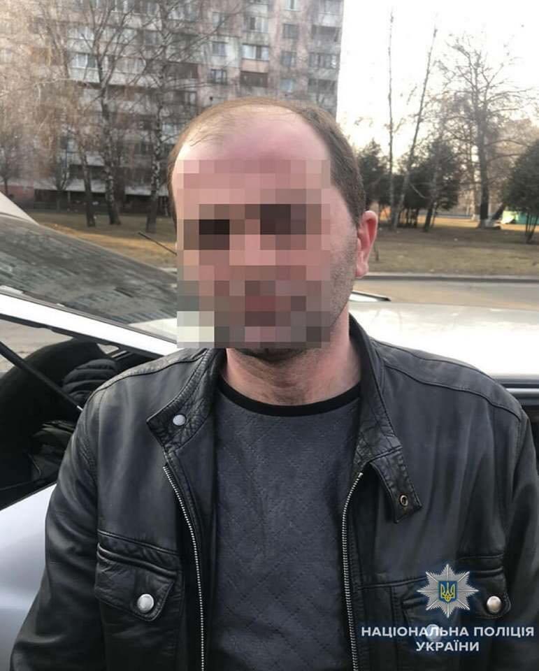 В Киеве преступники за час обокрали три квартиры (ФОТО), фото-3