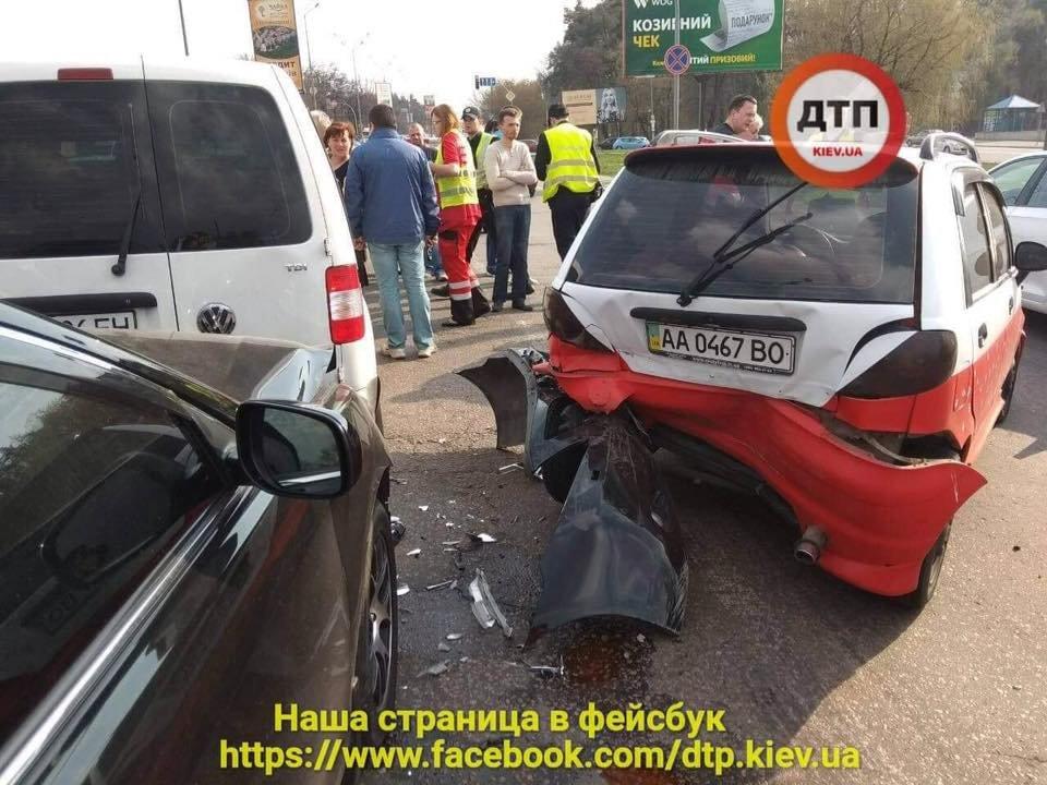 В Киеве пьяный водитель протаранил две машины (ФОТО), фото-4