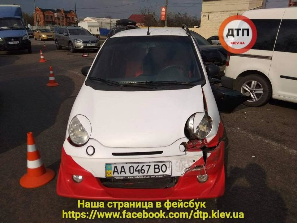 В Киеве пьяный водитель протаранил две машины (ФОТО), фото-3