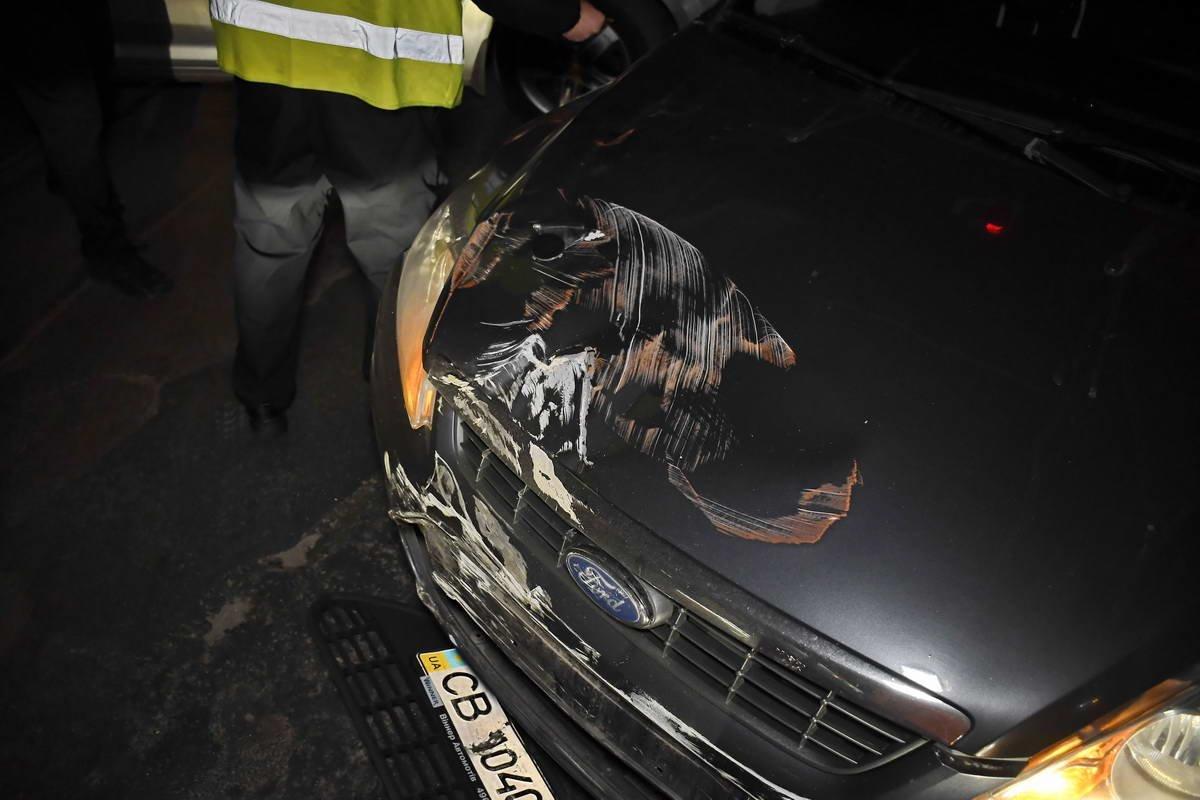В Киеве трамвай врезался в легковушку, фото-2