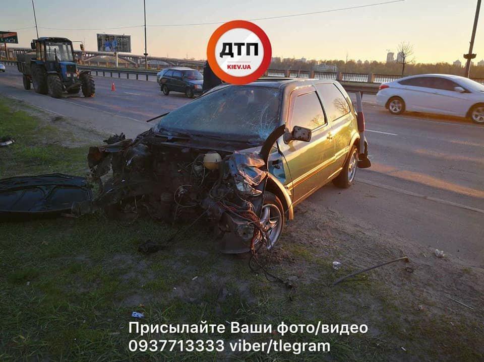 На Набережном шоссе авто вылетело в кювет, трое пострадавших (ФОТО), фото-1