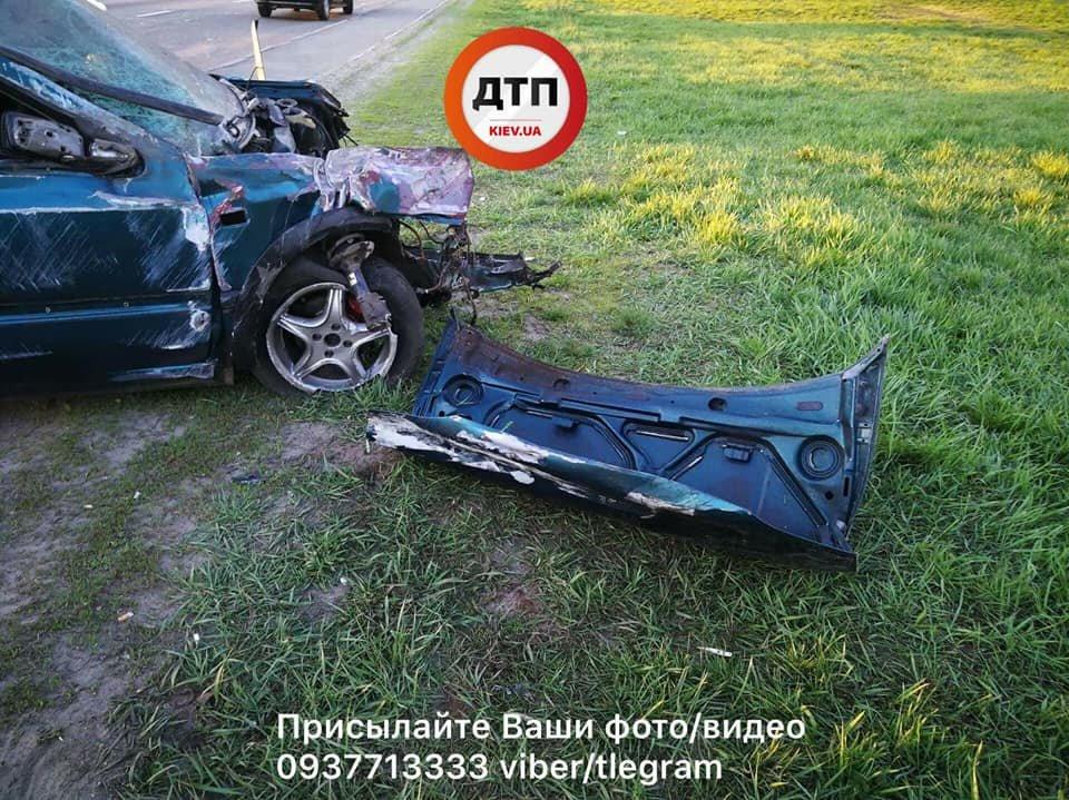 На Набережном шоссе авто вылетело в кювет, трое пострадавших (ФОТО), фото-2