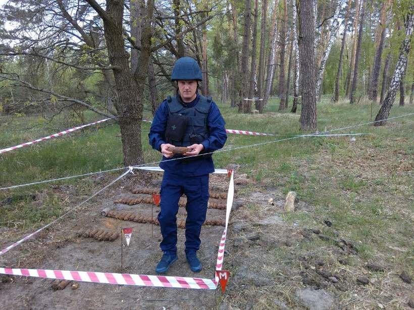 На Киевщине в лесничестве нашли более 300 снарядов (ФОТО), фото-2