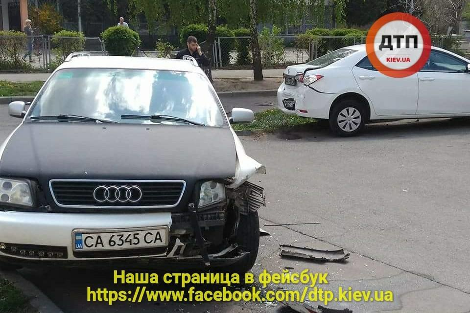 На Борщаговке неуправляемый автомобиль вылетел на территорию школы (ФОТО), фото-2