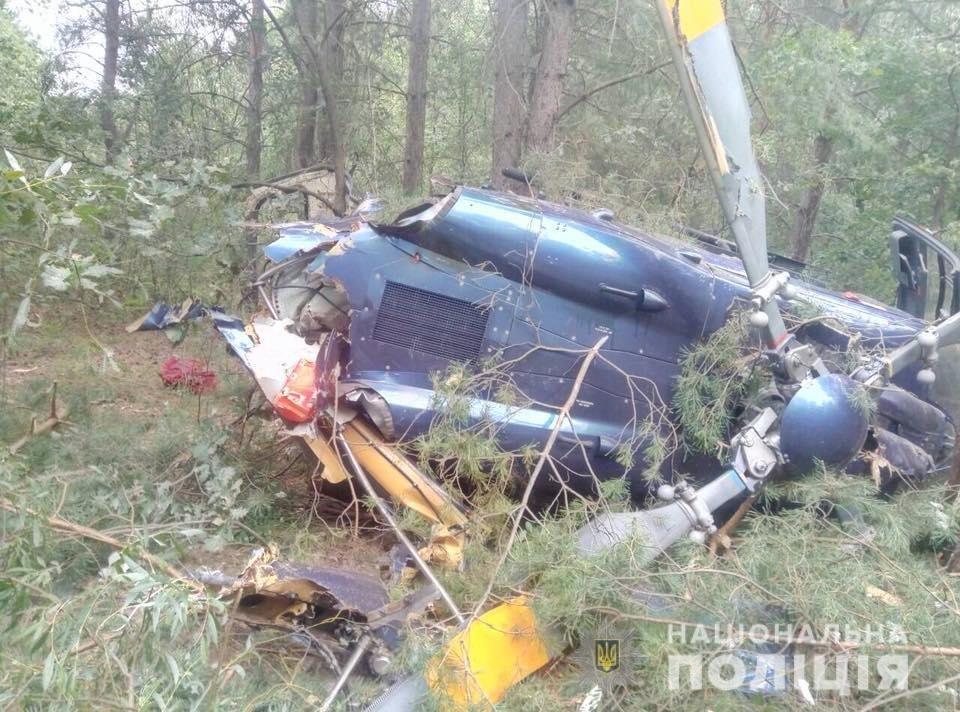 Крушение вертолета в Киеве: полиция рассказала, как экипаж избежал гибели, фото-1