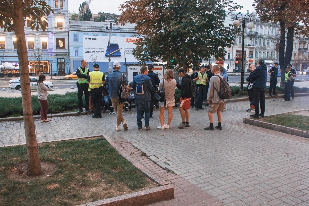 В Киеве толпа напала на геев: стали известны детали, фото-3
