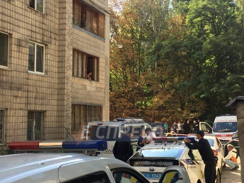 На свалке в Киеве нашли мертвого младенца, фото-1