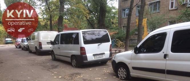 В Киеве вандалы прокололи шины более 10 авто, - ФОТО, фото-3