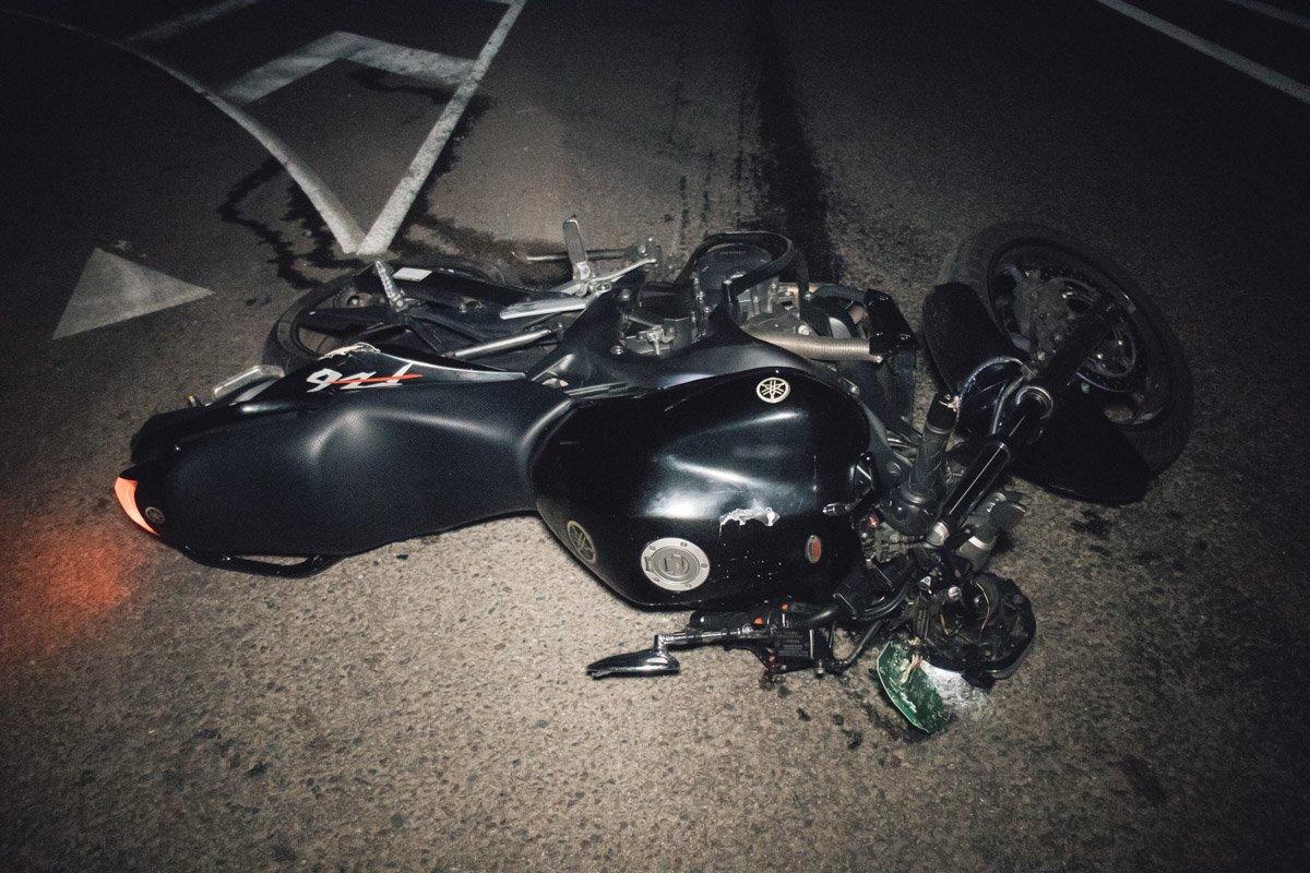 Под Киевом на мотоцикле разбился украинский политолог, фото-3