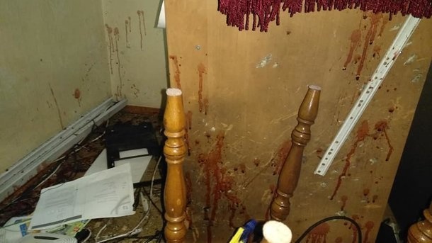 Под Киевом в квартиру координатора С14 бросили взрывчатку, пострадал человек, - ФОТО, фото-1