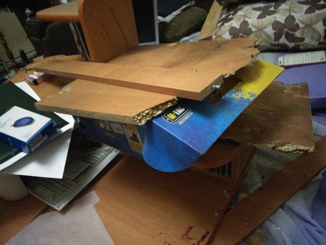Под Киевом в квартиру координатора С14 бросили взрывчатку, пострадал человек, - ФОТО, фото-4