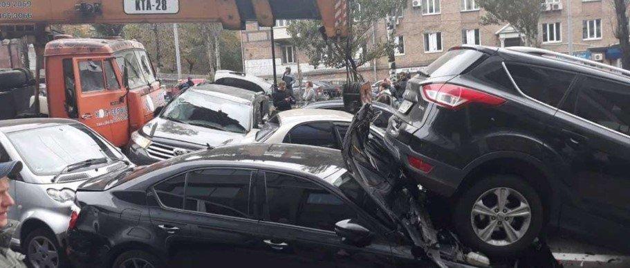 В центре Киева столкнулись 11 автомобилей, - ФОТО, фото-5