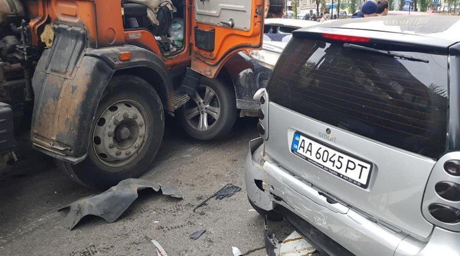 В центре Киева столкнулись 11 автомобилей, - ФОТО, фото-2