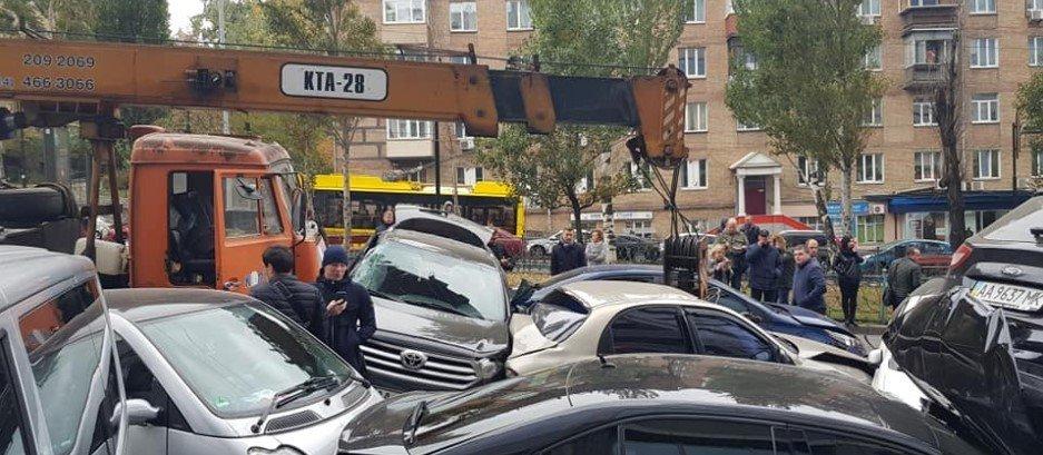 В центре Киева столкнулись 11 автомобилей, - ФОТО, фото-7