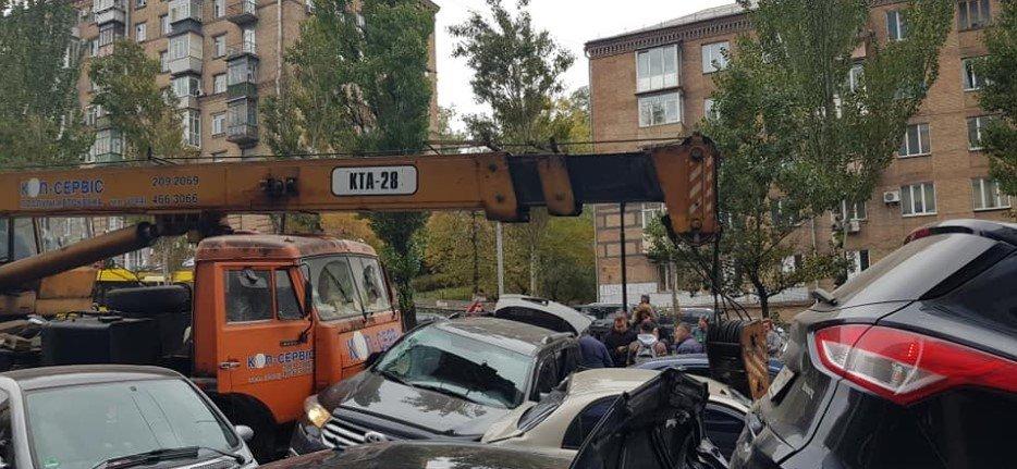 В центре Киева столкнулись 11 автомобилей, - ФОТО, фото-4