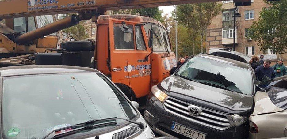 В центре Киева столкнулись 11 автомобилей, - ФОТО, фото-3