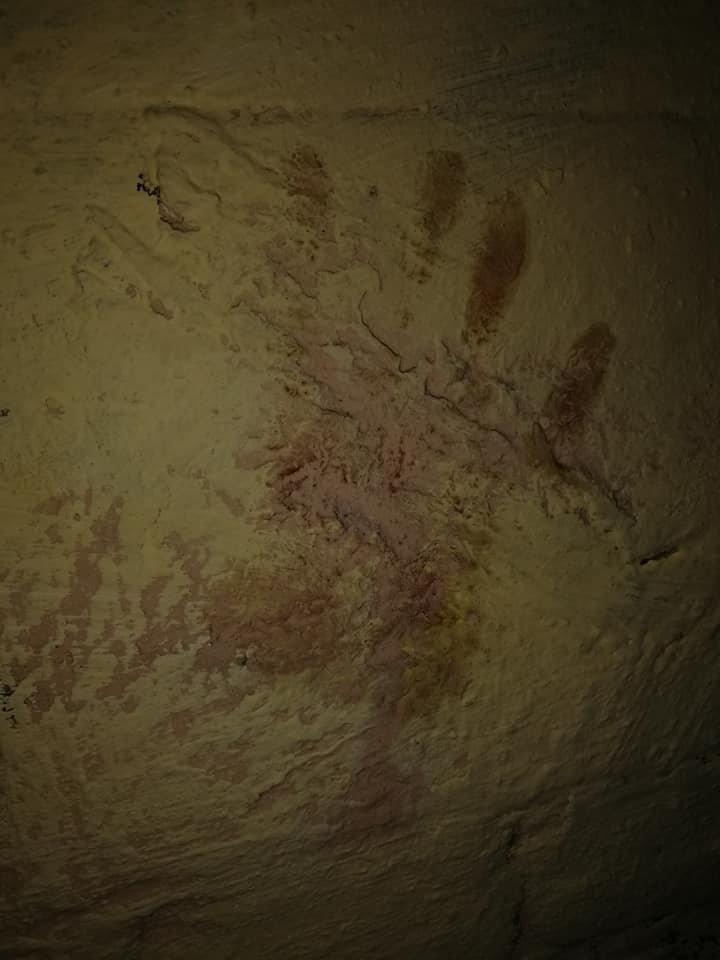 След окровавленной руки на стене: в Киеве на Саксаганского мужчина стал жертвой наводчицы и налетчика, - ФОТО, ВИДЕО, фото-3