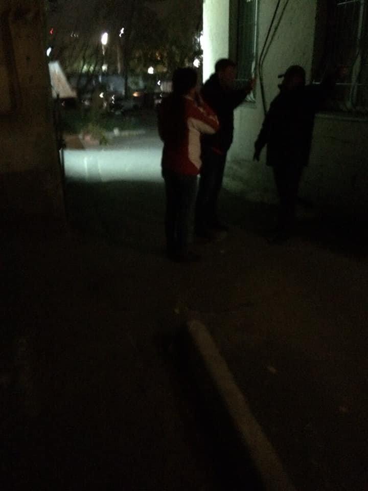 След окровавленной руки на стене: в Киеве на Саксаганского мужчина стал жертвой наводчицы и налетчика, - ФОТО, ВИДЕО, фото-5