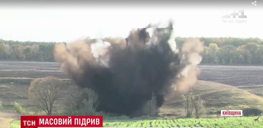 В лесах под Киевом нашли заброшенный склад снарядов Второй Мировой войны. Сейчас боеприпасы уничтожают, - ФОТО, ВИДЕО, фото-5