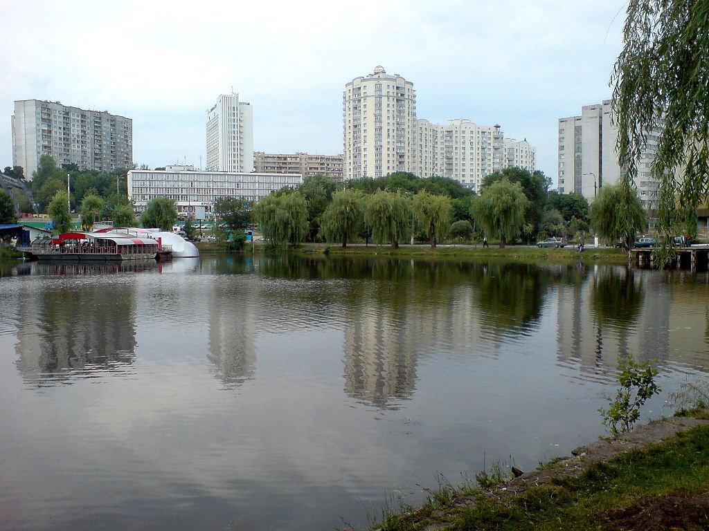 Голосеевский парк им. Рыльского, Фото: wikipedia.org